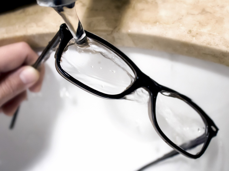 Rinse your glasses under running water